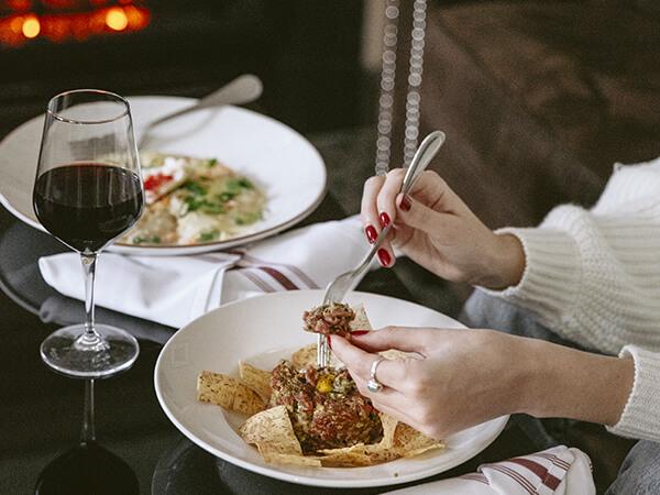 DINNER FOR 2 (GIFT-CARD) - VERSES BISTRO x HÔTEL NELLIGAN